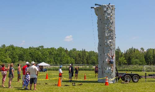 Celebrating Canada Day during FunFest 2019: the climbing wall