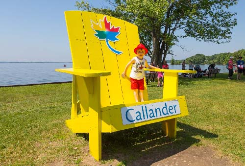 Celebrating Canada Day during FunFest 2019: Trying Callander's yellow chair