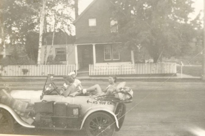 Darlene and her friends in front of Dr. Dafoe's house in 1937